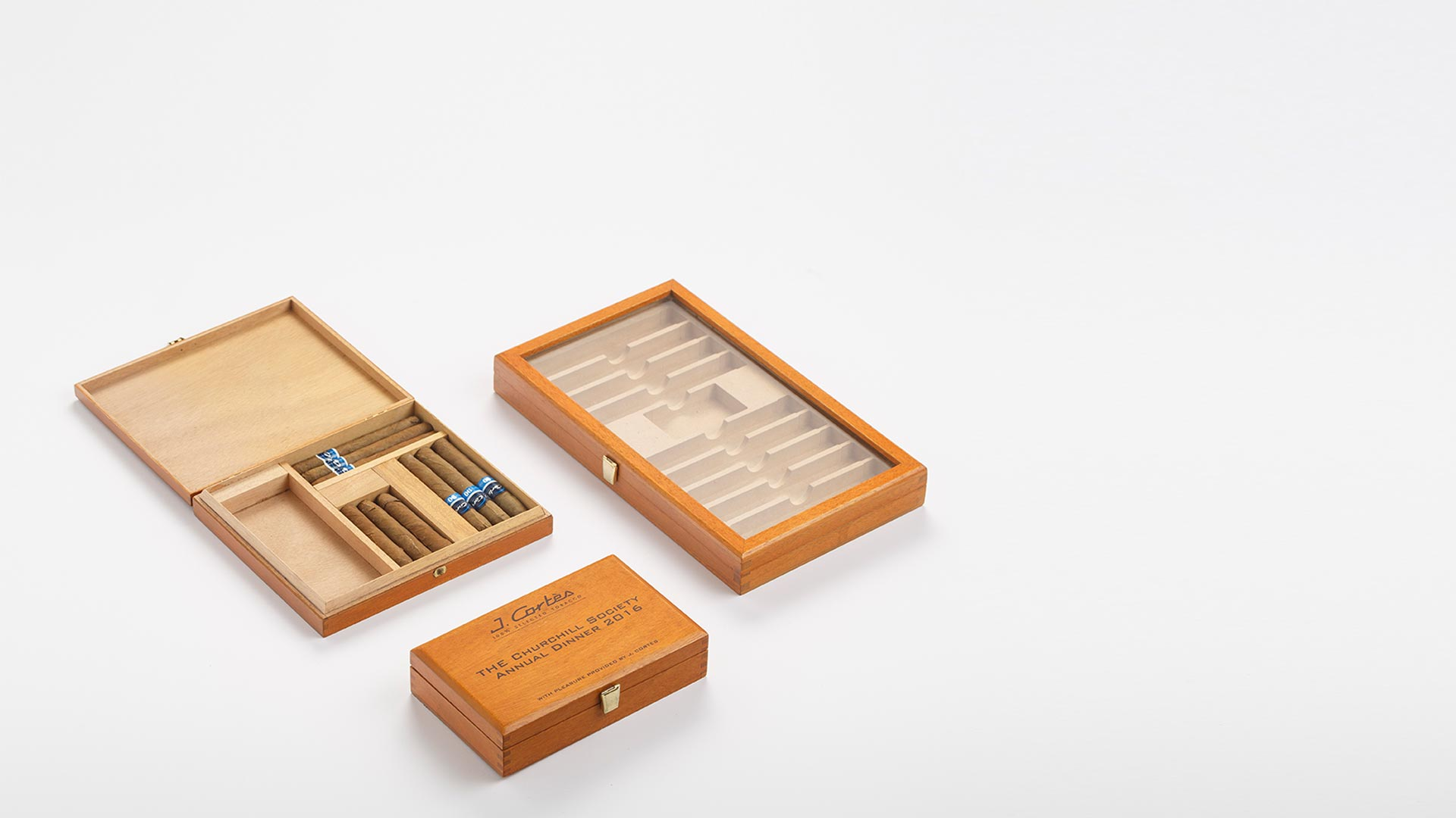 Cigar Presenters with compartments