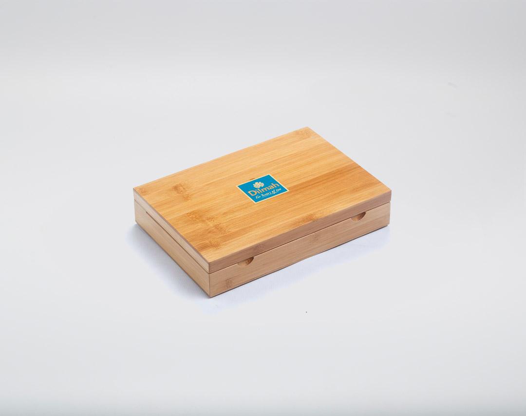 Wood tea presenter